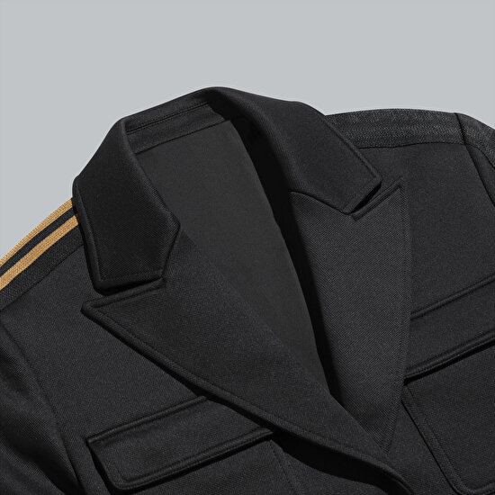 תמונה של Crop Suit Jacket