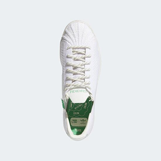 תמונה של Pharrell Williams Primeknit Superstar Shoes
